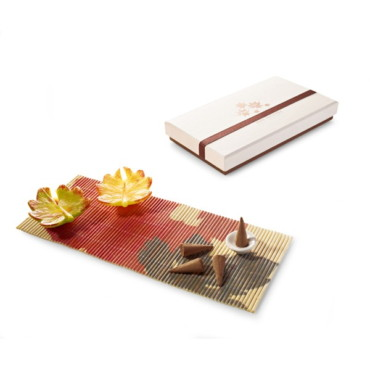 Aromatic set with candles, incense and decorative mat